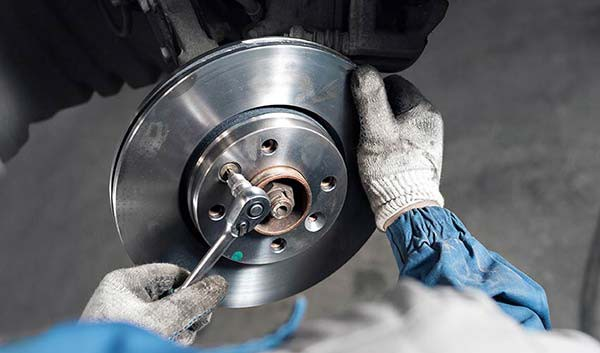 brake-discs-installation-thumb
